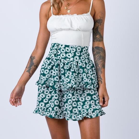 NWT frida skirt